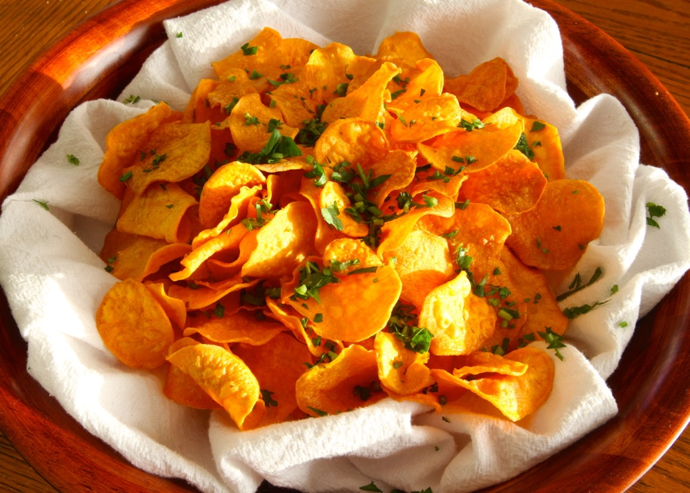 Photo: http://www.inspiredbygoodfood.com/2012/11/01/sweet-potato-chips/