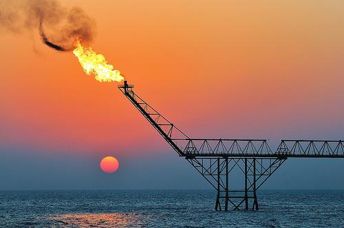 Η βρώμικη ενέργεια βλάπτει την δημοκρατία και το κλίμα